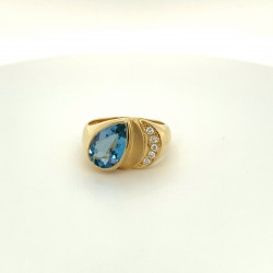 Goldring Aquamarin mit Brillant 0,10 ct (Gelbgold 750)